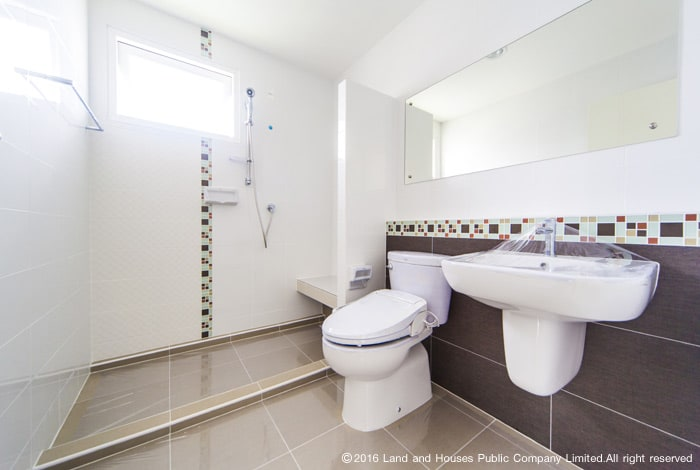ห้องน้ำบ้านแลนด์ แอนด์ เฮ้าส์