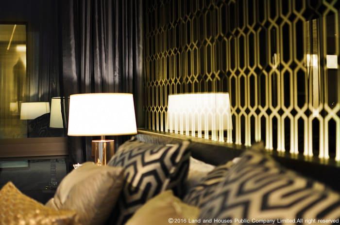 แสงไฟสลัว ห้องนอน The Landmark แลนด์ แอนด์ เฮ้าส์