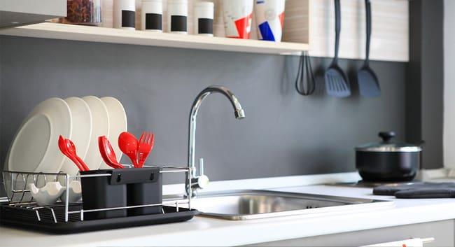 จัดที่วางของใช้ในห้องครัว
